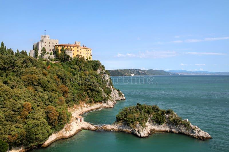 Castelo de Duino, Italy fotos de stock