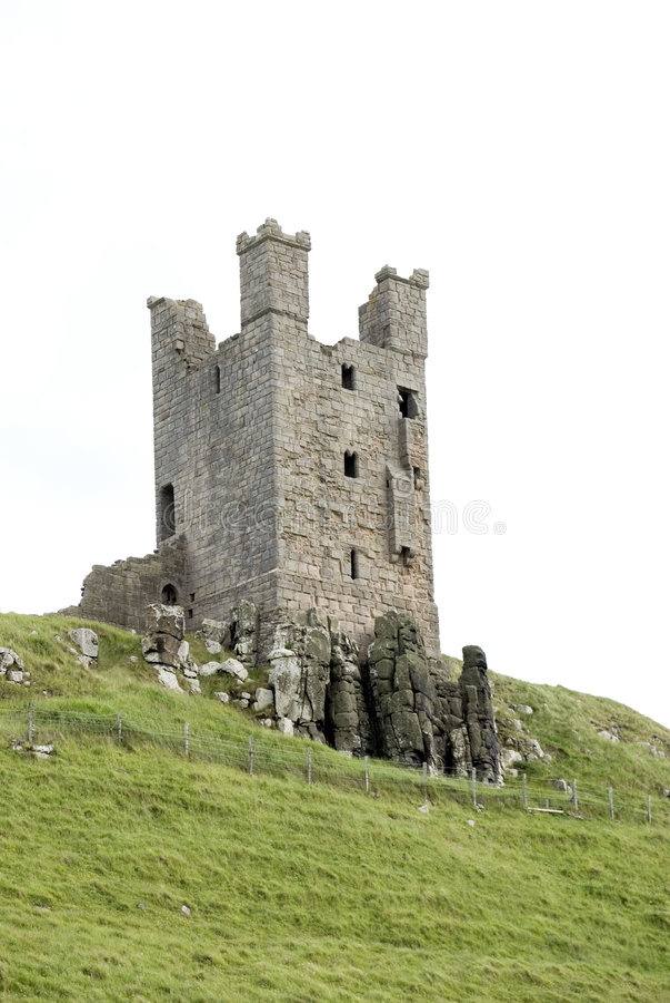 Castelo de Dunstanburgh (torre de Lilburn) imagem de stock