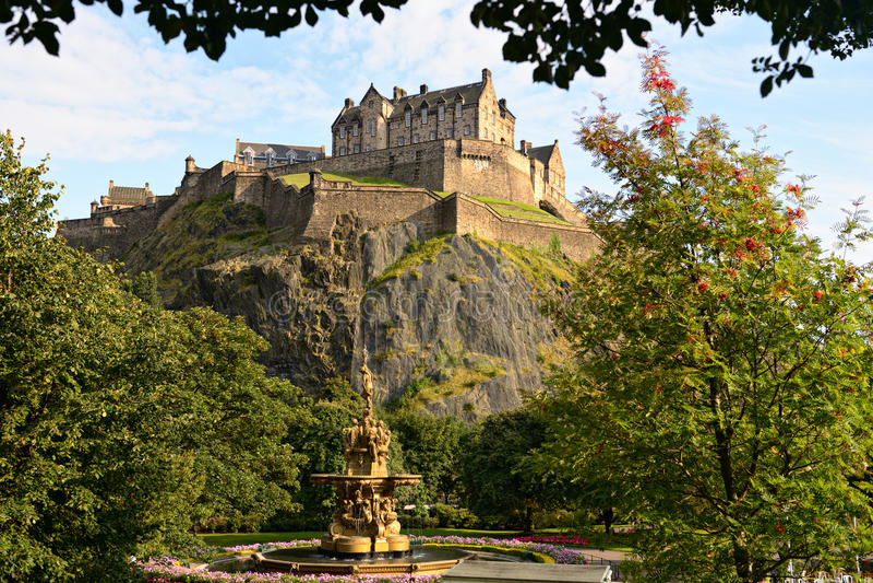 Castelo de Edimburgo, Scotland, fonte de Ross fotos de stock royalty free