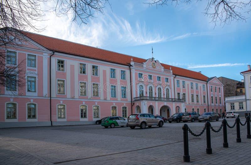 Castelo de Estônia Tallinn Toompea, construção do parlamento fotografia de stock royalty free