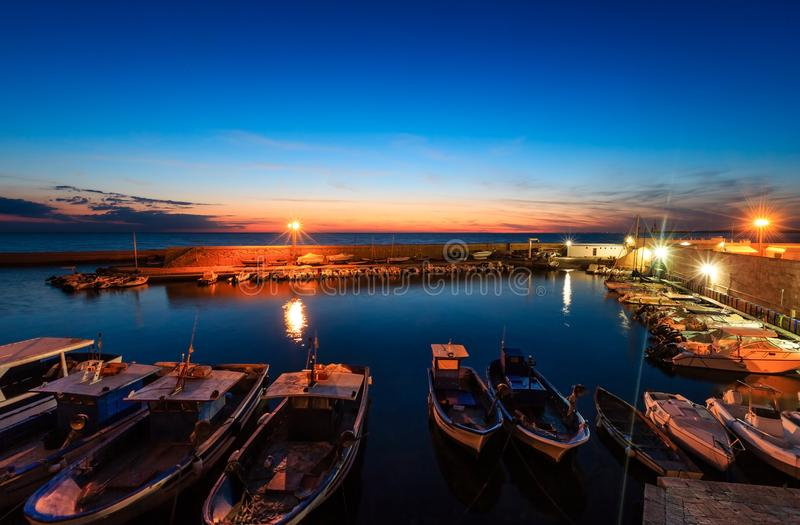 Castelo de Gallipoli da noite, Puglia, Itália foto de stock royalty free