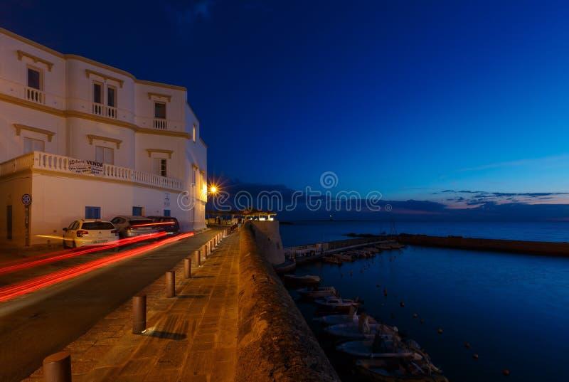 Castelo de Gallipoli da noite, Puglia, Itália imagens de stock royalty free