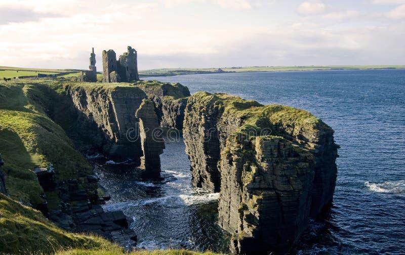 Castelo de Girniigoe e de Sinclair fotos de stock royalty free