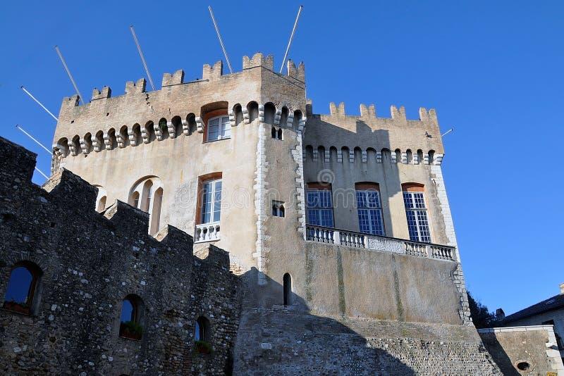 Castelo de Grimaldi, Haut de Cagnes, Riviera francês imagem de stock