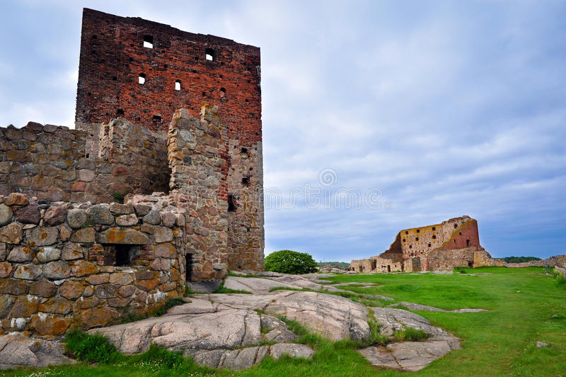 Castelo de Hammershus em Bornholm imagens de stock royalty free
