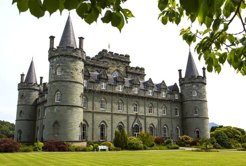 Castelo de Inveraray em Esc?cia ocidental, na costa do Loch Fyne Foi foto de stock