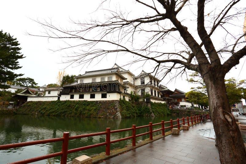 Castelo de Kokura-jo, castelo japonês no parque de Katsuyama em Kitakyush fotografia de stock royalty free