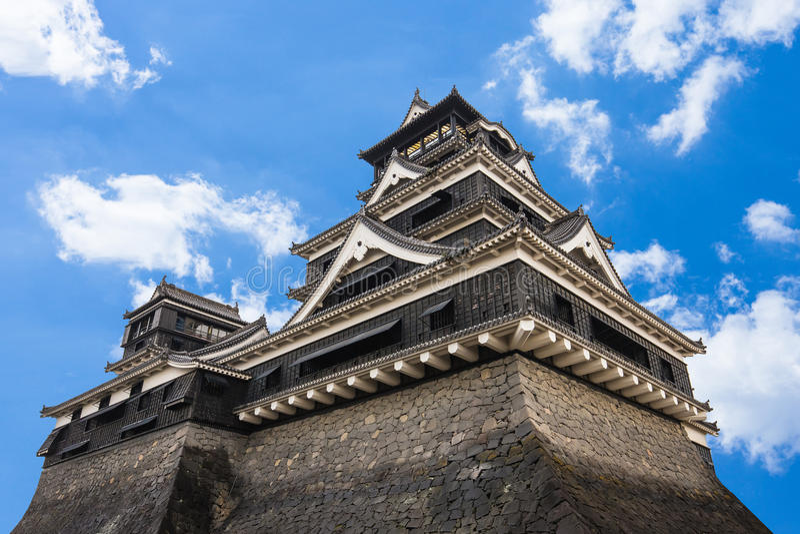 Castelo de Kumamoto em Kyushu do norte, Japão imagens de stock royalty free