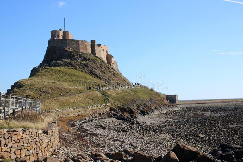 Castelo de Lindisfarne, ilha santamente Northumberland Reino Unido fotos de stock royalty free