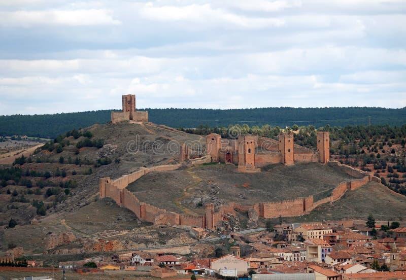 Castelo de Molina de Aragon na Espanha foto de stock royalty free
