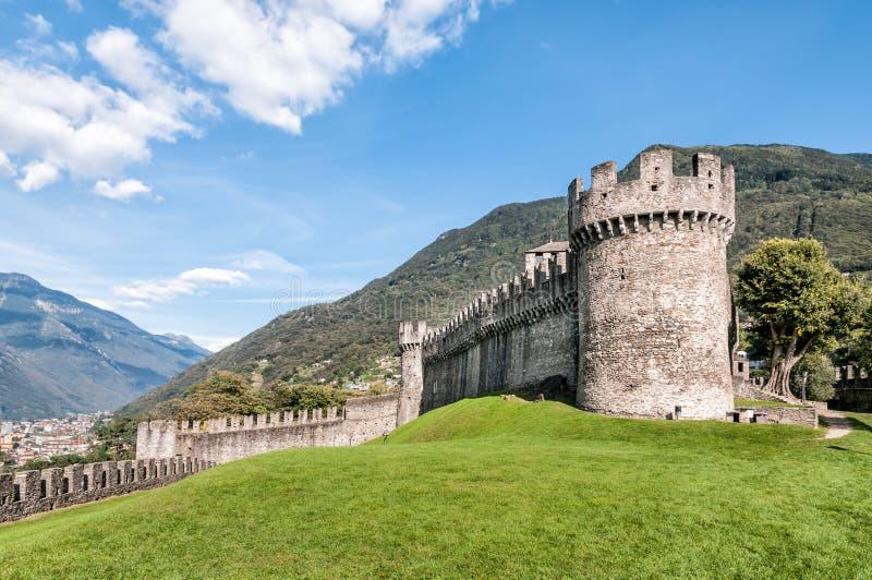 Castelo de Montebello, Bellinzona, Suíça imagem de stock