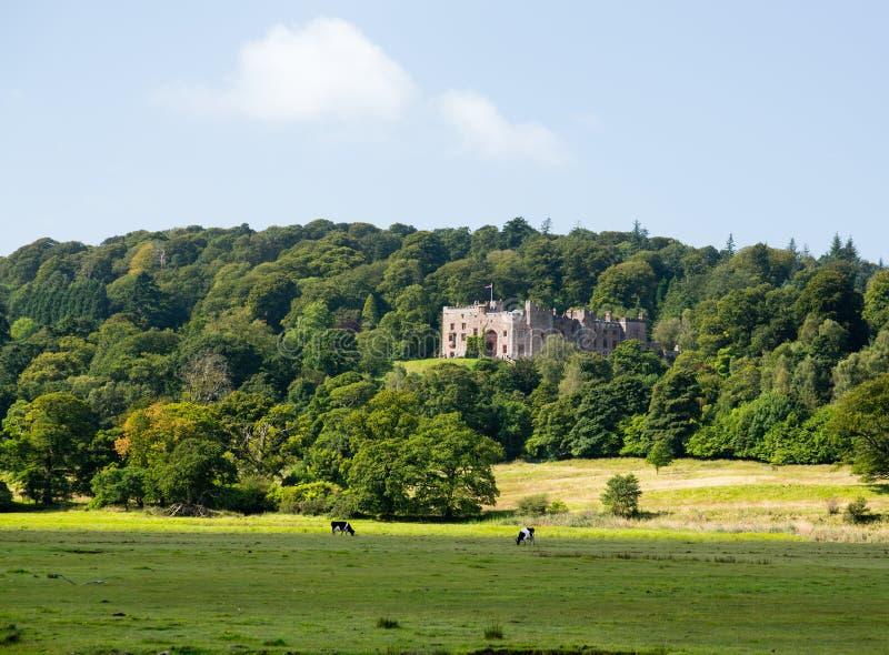 Castelo de Muncaster no distrito do lago fotos de stock royalty free