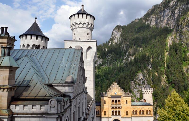 Download Castelo de Neuschwanstein imagem de stock. Imagem de arquitetura - 12806951