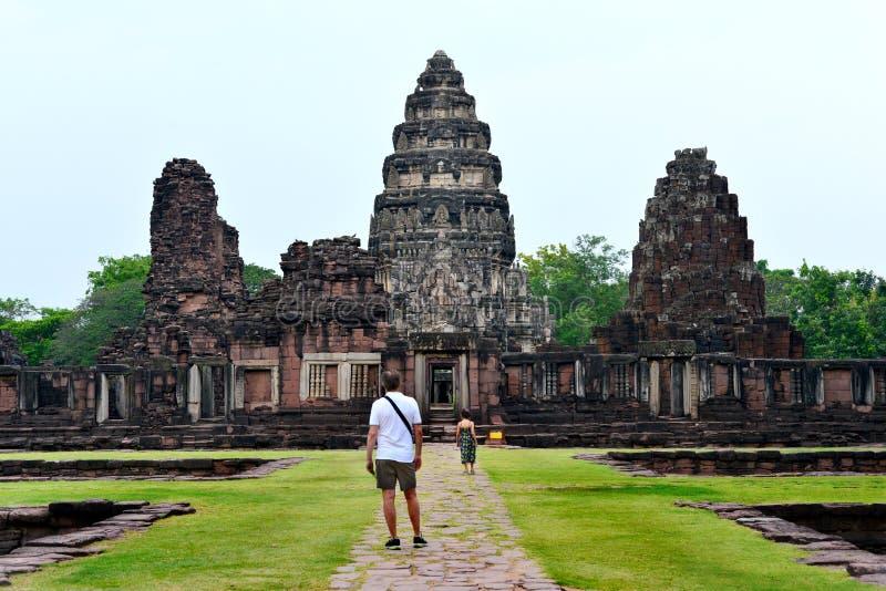 Castelo de pedra antigo de Prasat Hin Phimai foto de stock