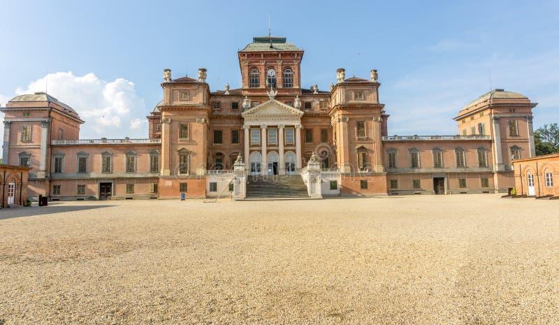 Castelo de Racconigi no verão fotos de stock royalty free
