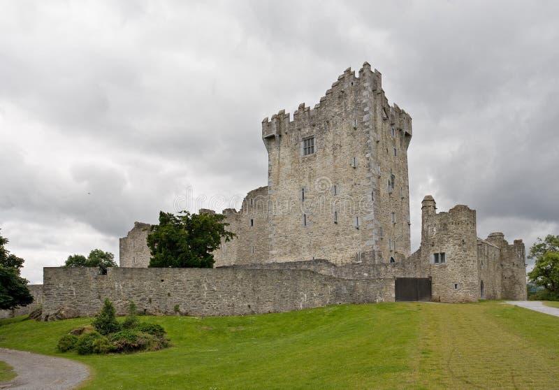 Download Castelo de Ross imagem de stock. Imagem de castelo, ruína - 10059013
