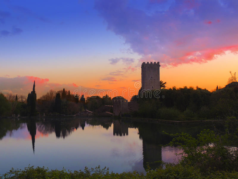 Castelo de Sermoneta fotos de stock royalty free