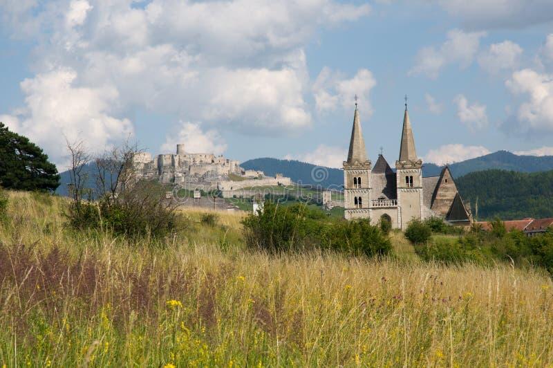 Castelo de Spisska Kapitula e de Spis, Eslováquia imagens de stock royalty free