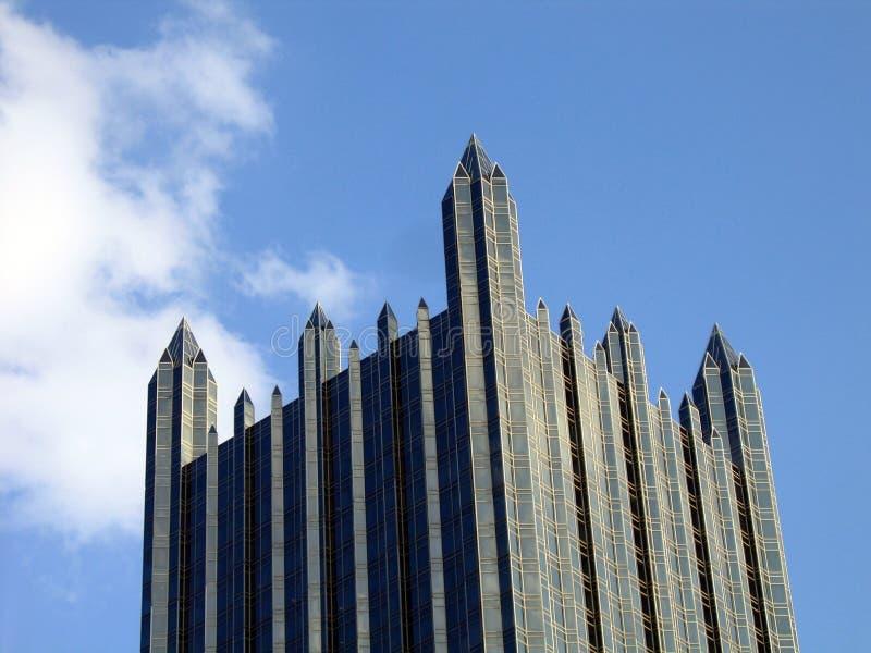 Castelo de vidro nas nuvens imagem de stock royalty free