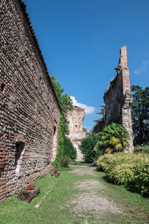 Castelo de Visconti no ` Adda ITÁLIA do sull de Trezzo fotos de stock