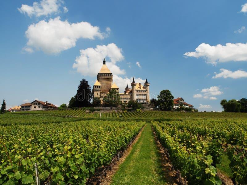 Castelo de Vufflens em Suíça foto de stock royalty free