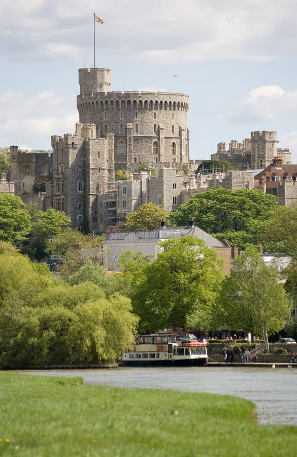 Castelo de Windsor e rio Tamisa fotos de stock