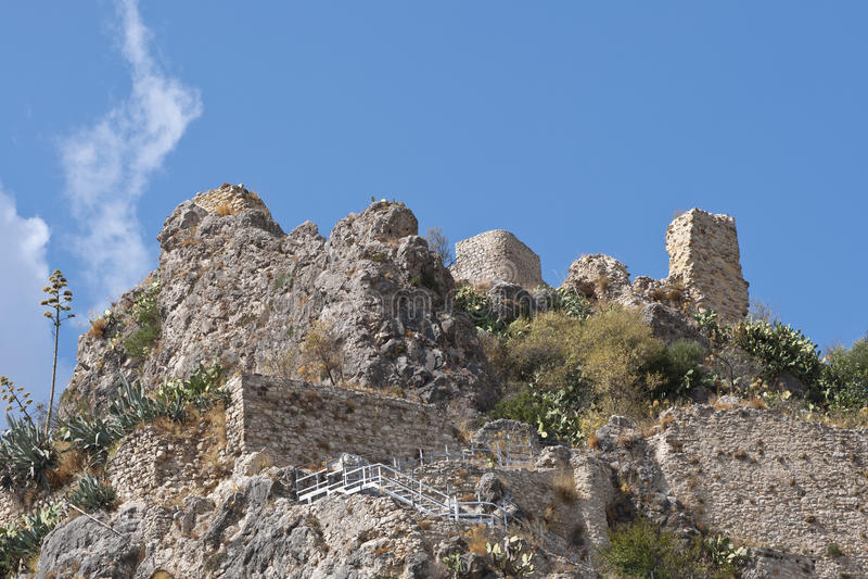 Castelo de Zahara de la Serra imagem de stock