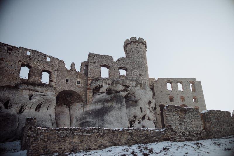 Castelo de Zamek Ogrodzieniec, ruínas velhas no Polônia imagem de stock royalty free