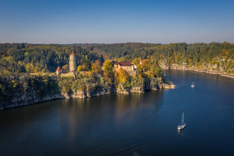 Castelo de Zvikov no sul de Bo?mia em Rep?blica Checa imagem de stock