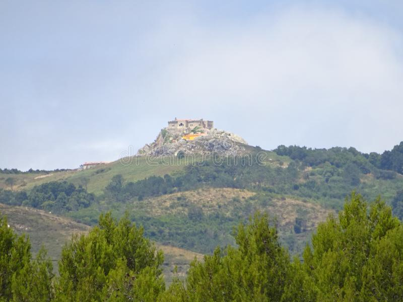Castelo a Dinamarca Peninha em Sintra, Cascais - Portugal foto de stock