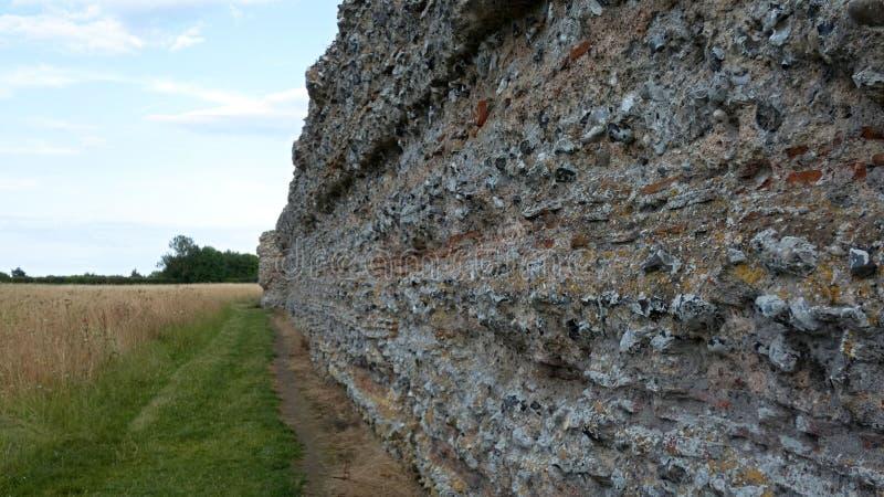 Castelo do Burgh, Roman Ruins antigo, Norfolk Inglaterra 6 foto de stock