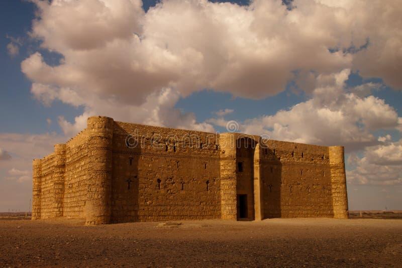 Castelo do deserto de Kaharana em Jordão fotografia de stock