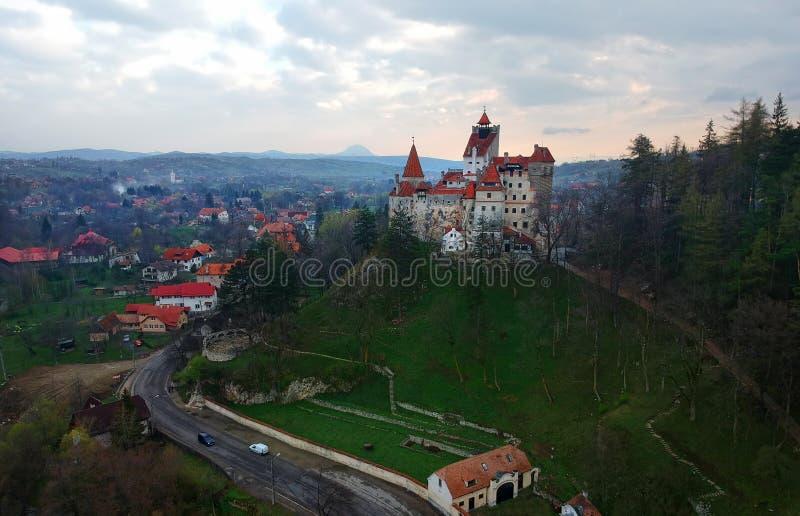 Castelo do farelo ou marco de Dracula na Transilv?nia fotos de stock royalty free