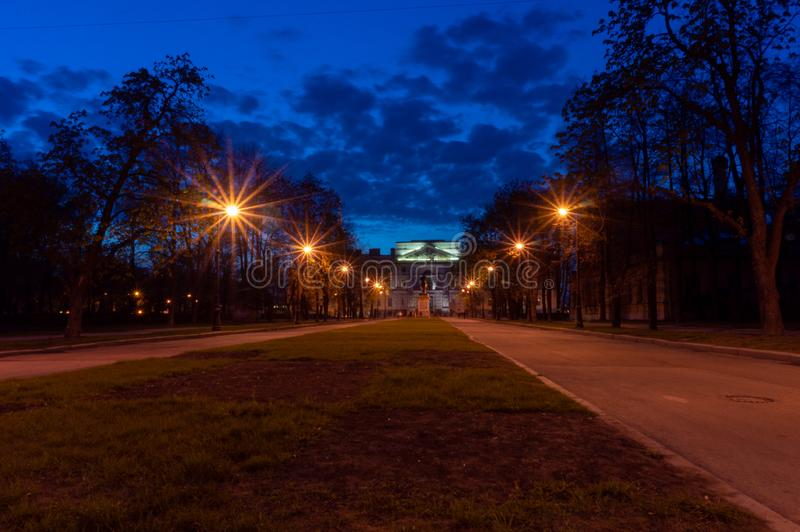 Castelo do ` s de St Michael Castelo de Mikhailovsky ou castelo dos coordenadores na noite St Petersburg, R?ssia fotos de stock