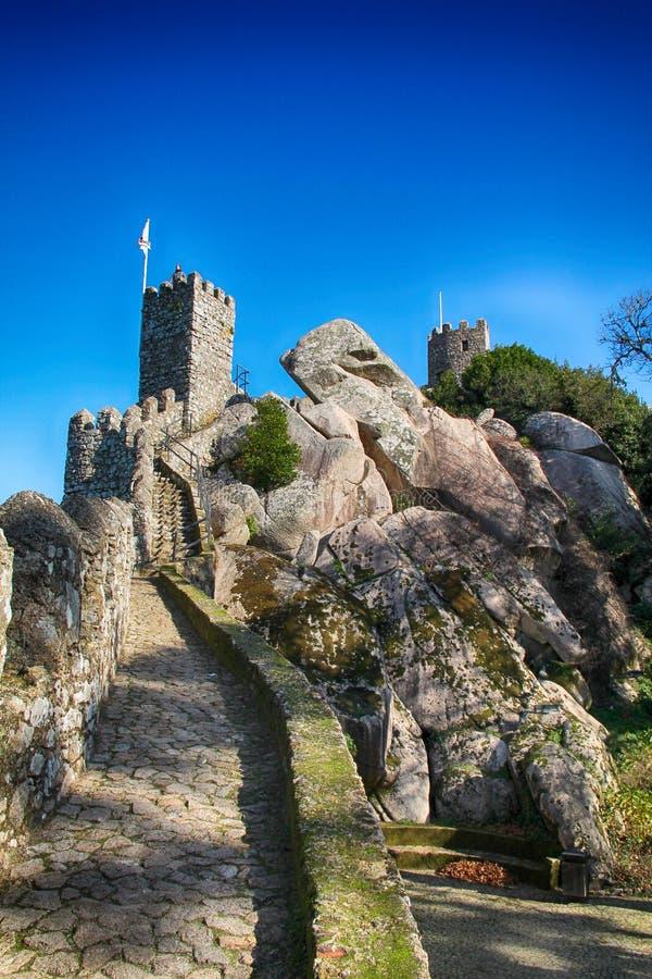 Castelo DOS-mouros i Sintra, Lissabon royaltyfria foton