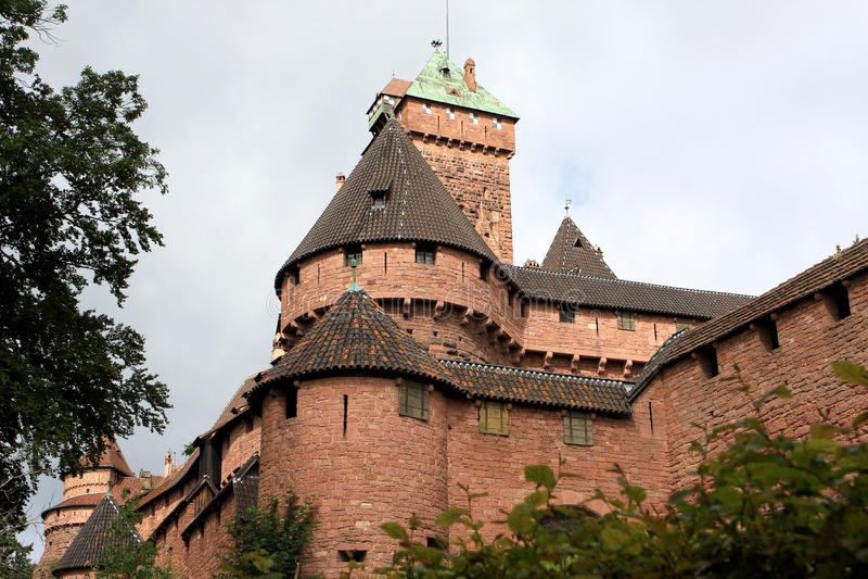 Castelo du Haut-Koenigsbourg, Alsácia, França fotos de stock