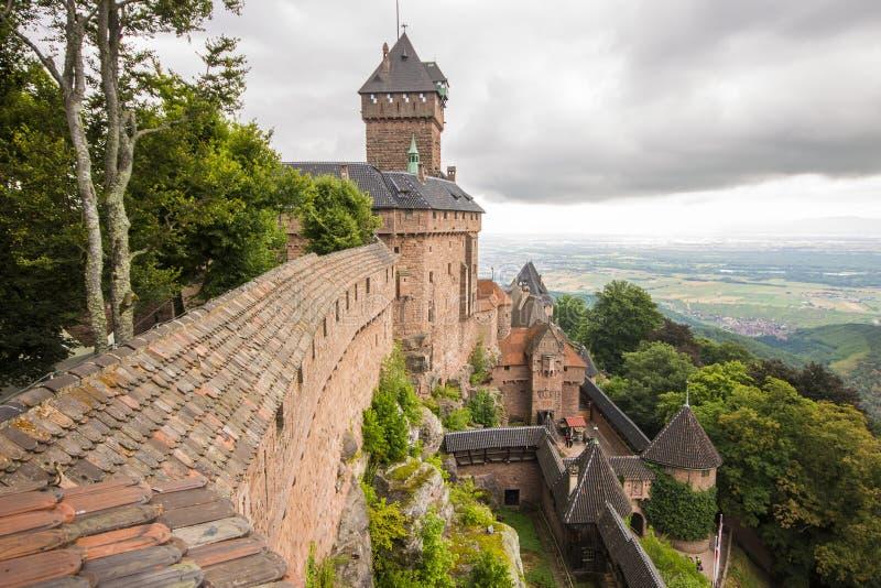 Castelo du Haut-Koenigsbourg, França foto de stock