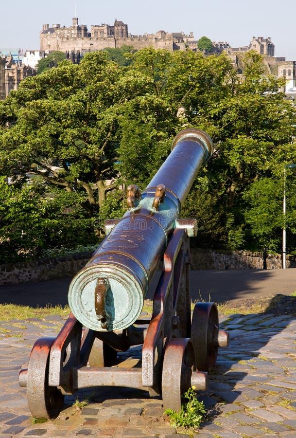 Castelo e canhão de Edimburgo imagem de stock royalty free