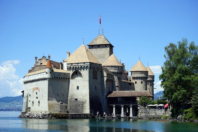 Castelo e lago fotos de stock
