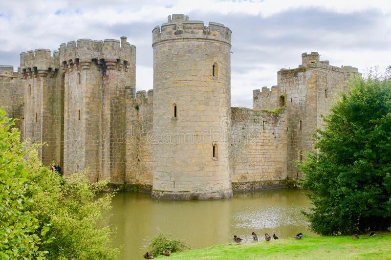 Castelo e os animais selvagens fotos de stock royalty free