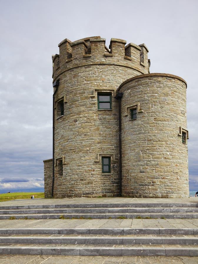 Castelo em penhascos de Moher foto de stock royalty free