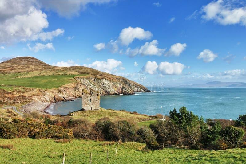 Castelo em um monte, Co.Kerry de Minard em Ireland. fotos de stock royalty free