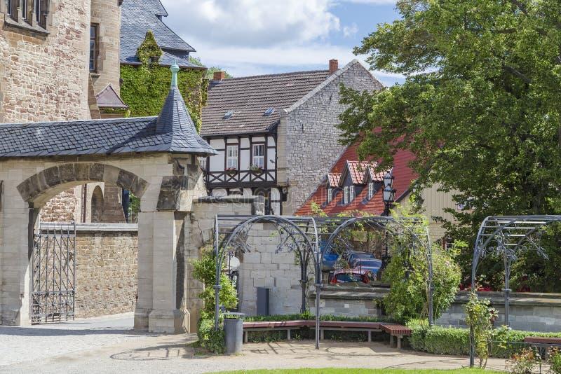 Download Castelo Em Wernigerode E Em Casas Metade-suportadas Imagem de Stock - Imagem de fora, histórico: 80100421