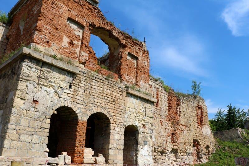 Castelo envelhecido, construção da arquitetura na parte ocidental de Ukrain foto de stock