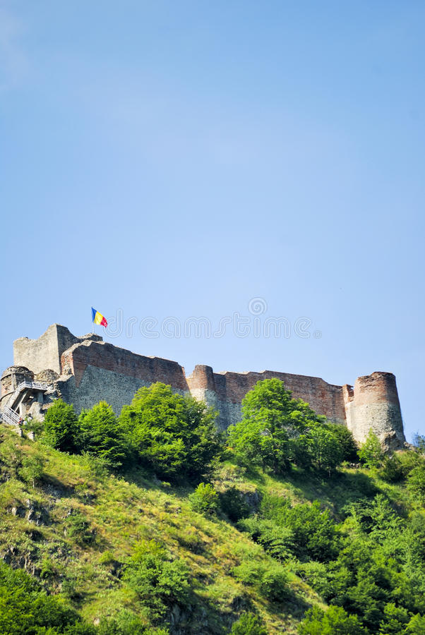Download Castelo Fortificado Velho De Vlad Tepes Em Romania Foto de Stock - Imagem de paisagem, famoso: 10054520