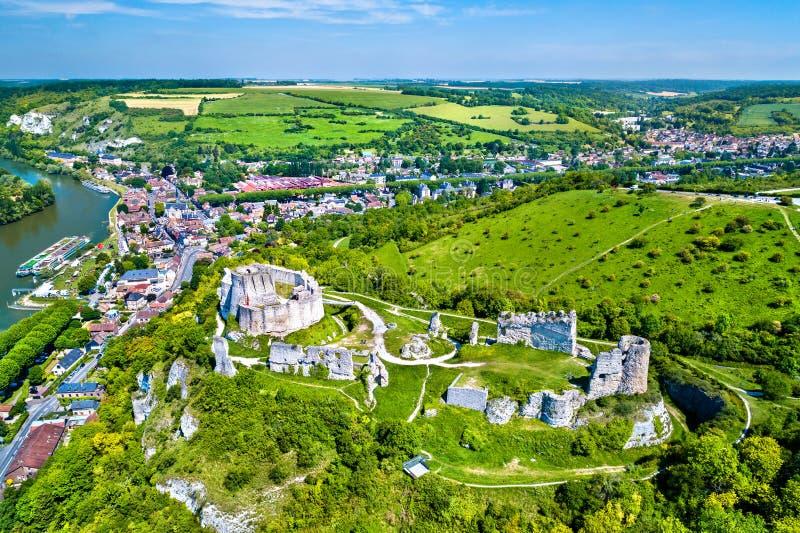 Castelo Gaillard, um castelo medieval arruinado na cidade de Les Andelys - Normandy, França imagens de stock