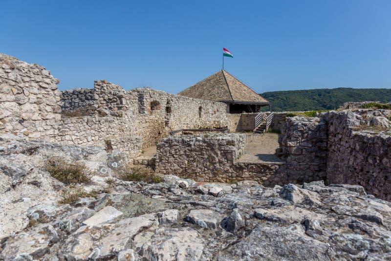 Castelo húngaro famoso antigo na vila pequena Sumeg fotografia de stock royalty free