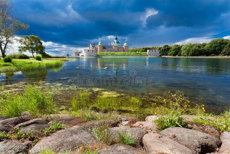 Castelo histórico de Kalmar na Suécia Escandinávia Europa marco imagem de stock