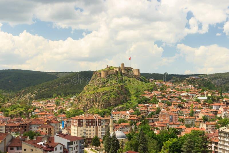 Castelo histórico velho de Kastamonu e opinião cênico da cidade com paisagem do céu azul em Turquia imagens de stock