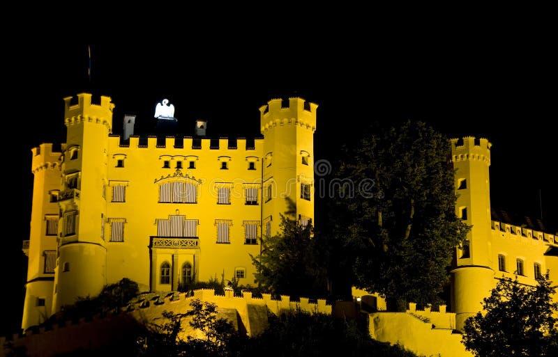 Castelo iluminado na noite foto de stock royalty free